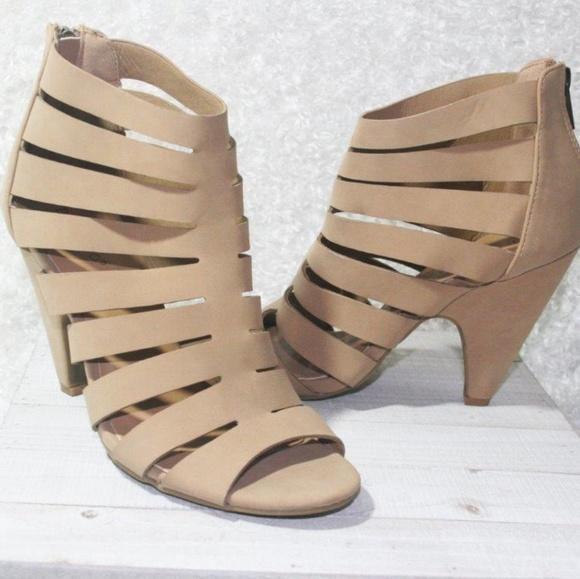 Shoes - Tan heal